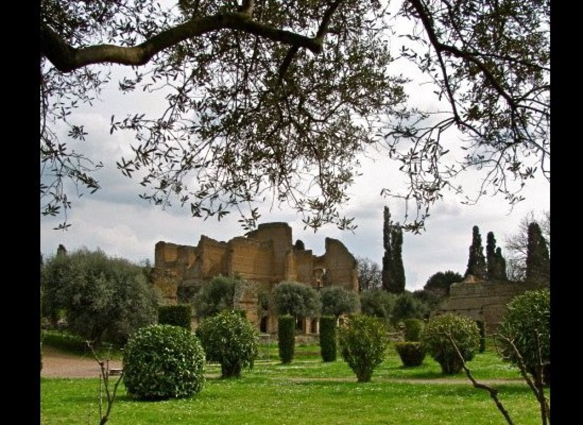 Pull back the branches: the postcard perfect view of the Imperial residence at Hadrian's villa in Tivoli. It's almost impossi