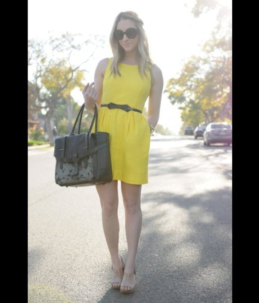 """Emily Schuman of <a href=""""http://cupcakesandcashmere.com/"""" target=""""_hplink"""">Cupcakes and Cashmere</a> is wearing a J. Crew dr"""