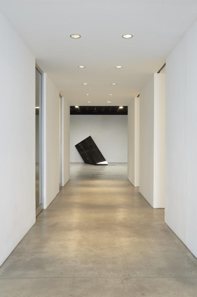 IRAN do ESPÍRITO SANTO Installation view of SWITCH at Sean Kelly Gallery, New York March 21 - April 28, 2012 © Iran do Esp
