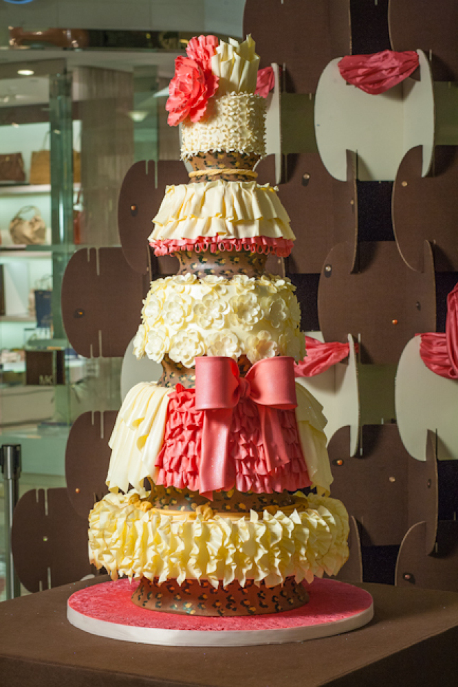 """Winning Cake created by <a href=""""http://www.theswissbakery.com/"""" target=""""_hplink"""">The Swiss Bakery</a>'s Laurie Ann Allman We"""