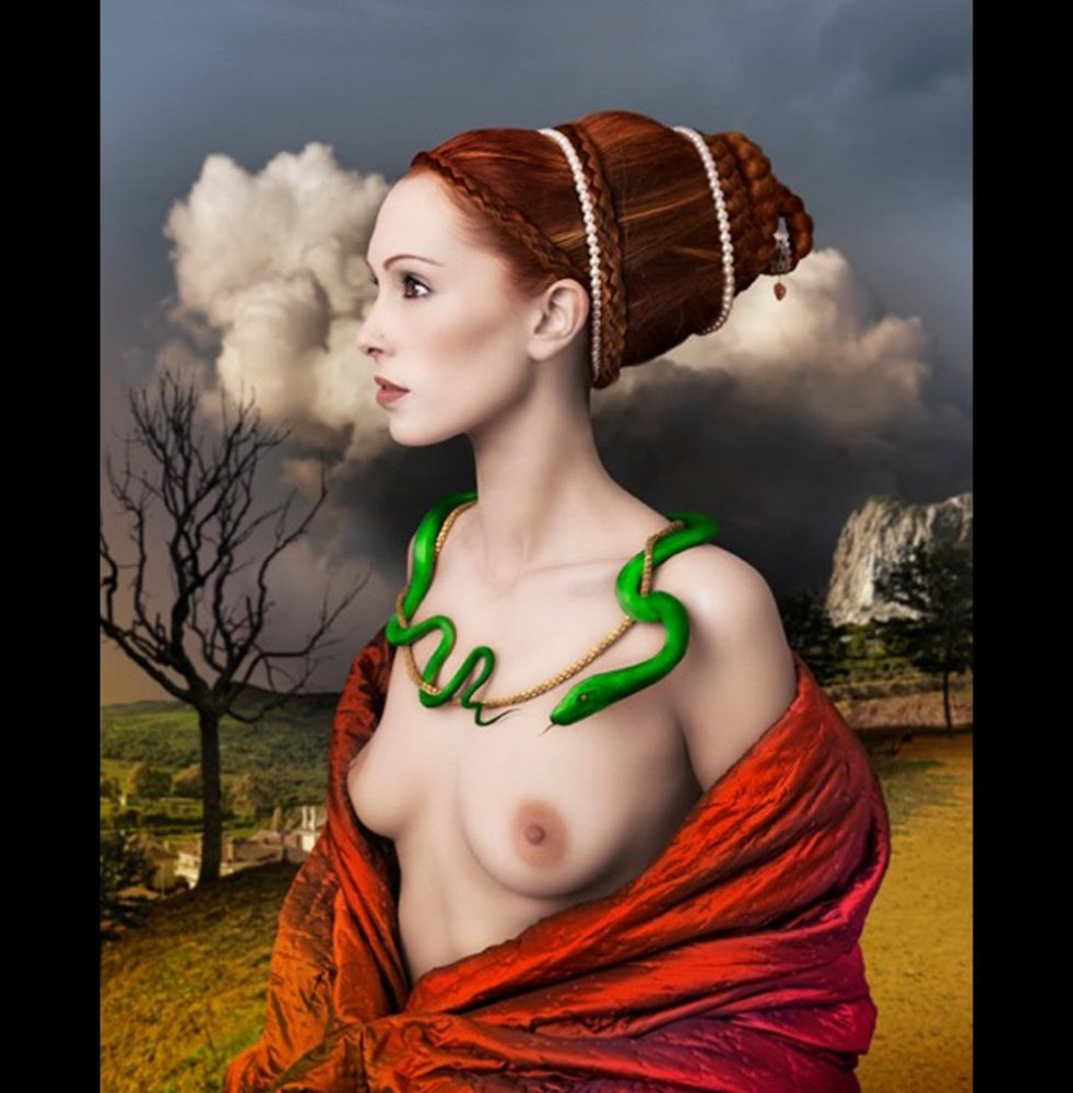 Lady portrait with snake © Mariano Vargas