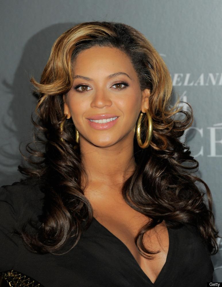 "Beyonce was <a href=""http://www.huffingtonpost.com/2012/03/01/beyonce-breastfeeds-blue-ivy_n_1312950.html"" target=""_hplink"">s"
