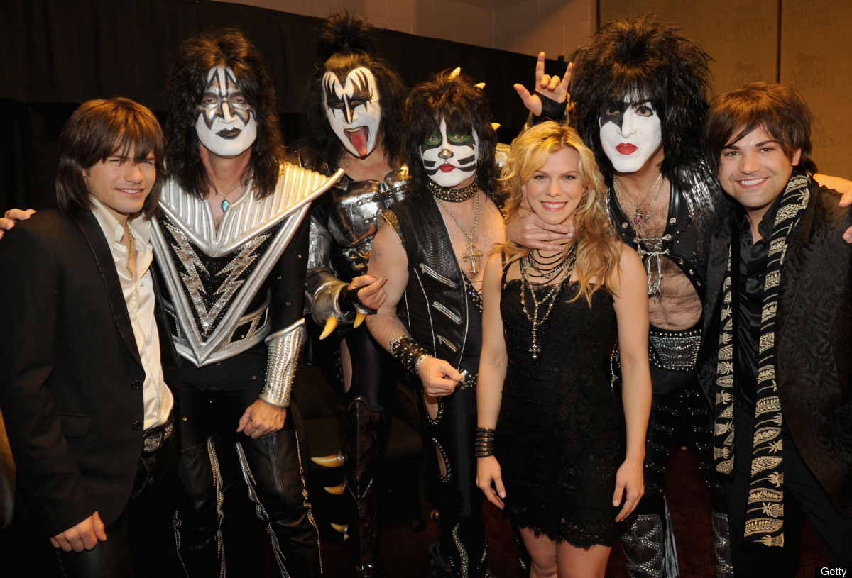 LAS VEGAS, NV - APRIL 01:  (L-R) Musicians Reid Perry, Eric Singer, Gene Simmons, Tommy Thayer, Kimberly Perry, Paul Stanley