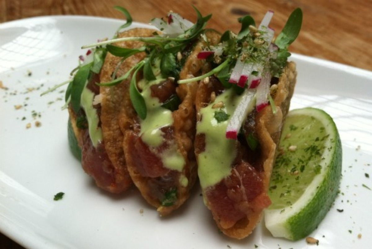 """Is it Mexican or Chinese? Regarding the tuna poke wonton tacos at New York's <a href=""""http://www.beautyandessex.com/"""" target="""