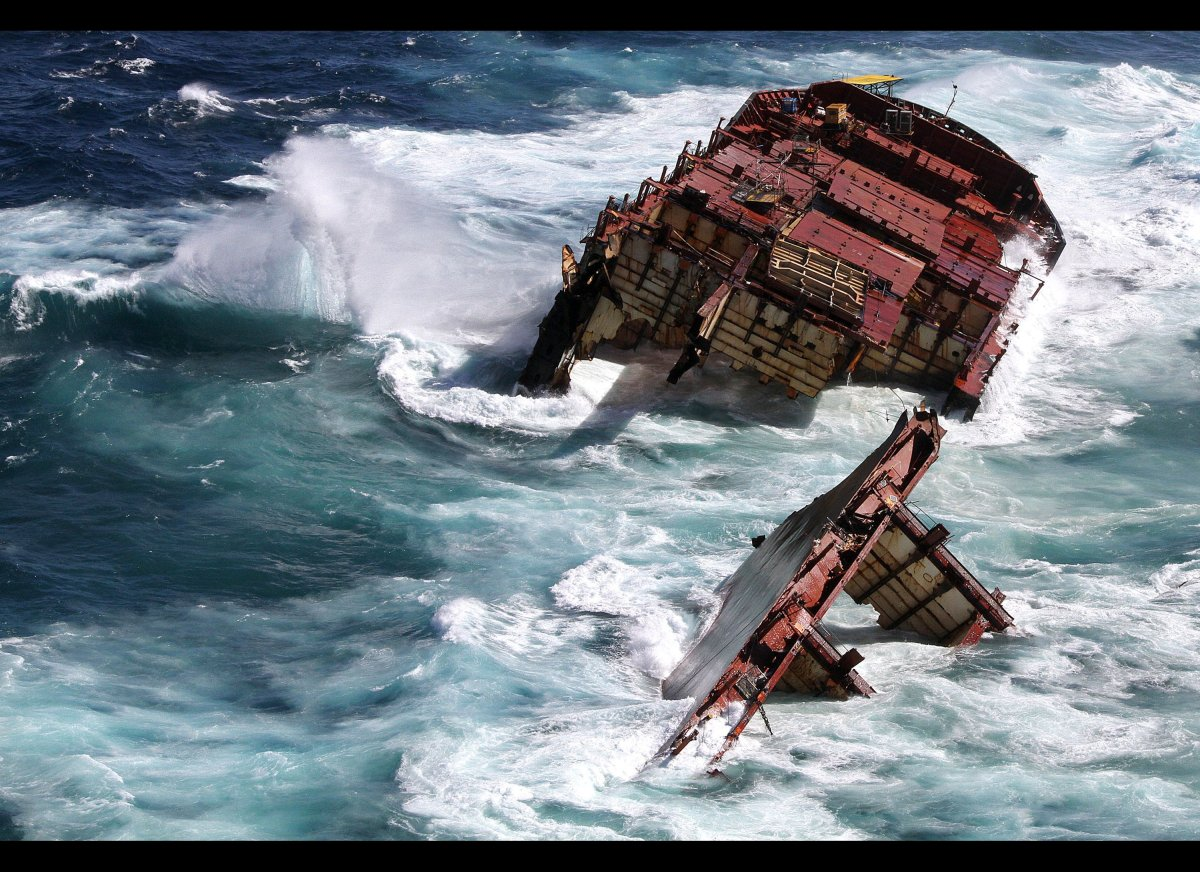 This handout picture released by Maritime New Zealand on April 4, 2012 shows the Monrovia-flagged container ship 'Rena' stuck