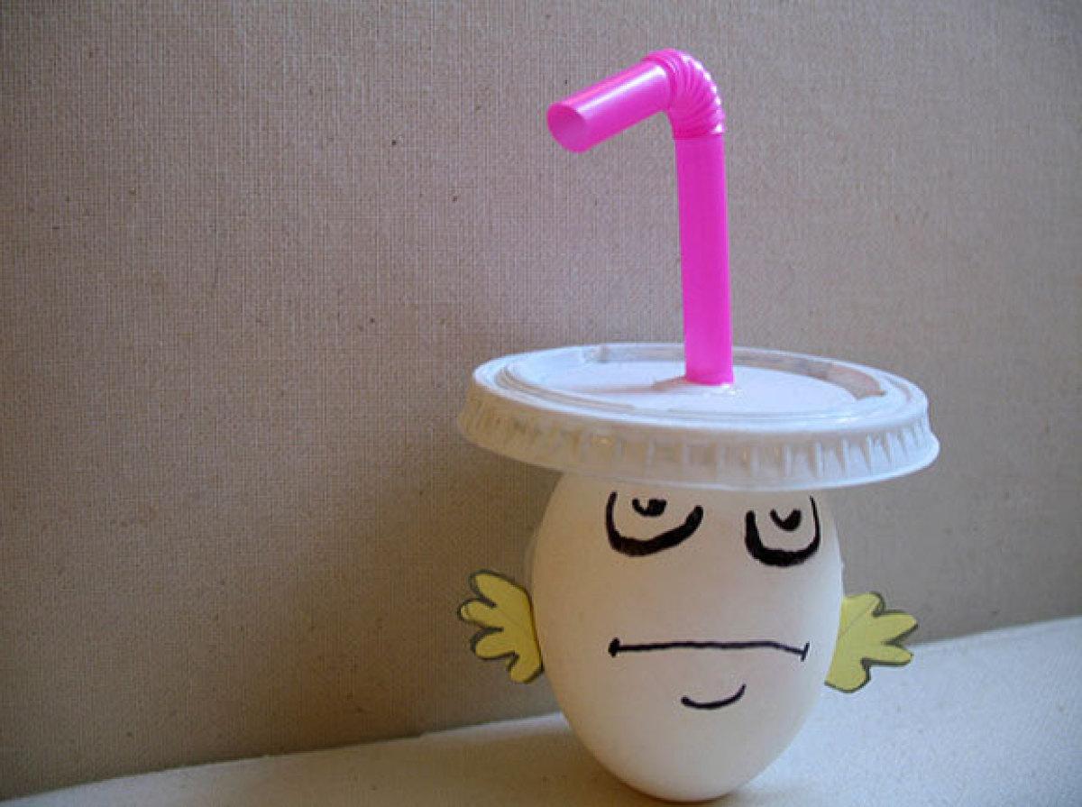 "Master Shake, in egg form. (Via <a href=""http://glitterpissing.blogspot.com/2007/03/aqua-teen-easter-egg-whprwhil-comp.html"""