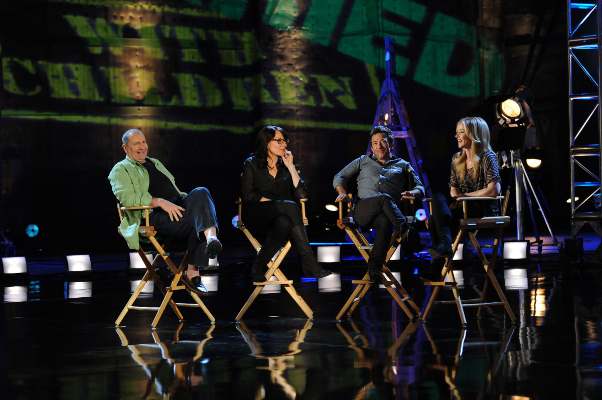 Ed O'Neill, Katey Sagal, David Faustino and Christina Applegate) reminisce about their time on the Fox series.