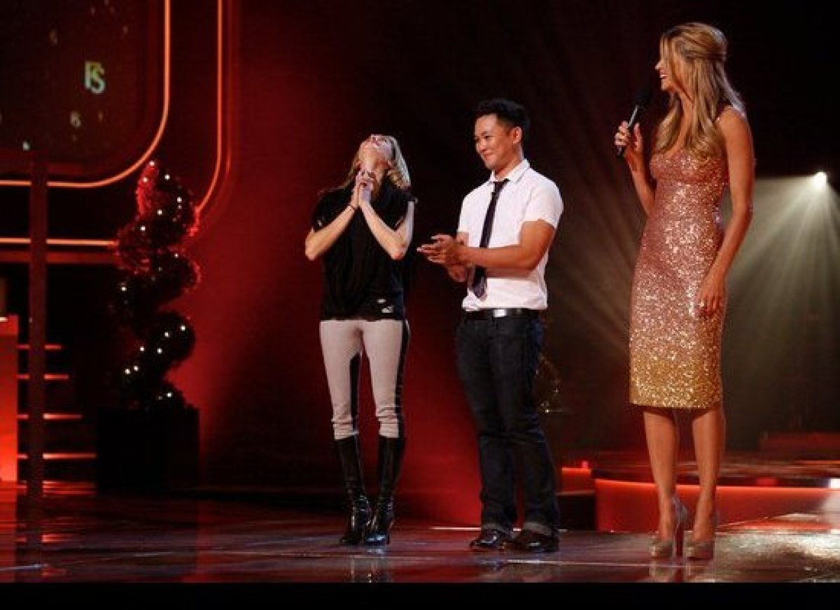 As the host of NBC's reality fashion design competition show, Elle MacPherson is expected to show up dressed to the nines. Th