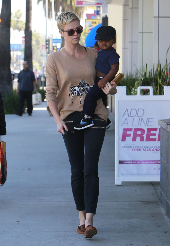 Charlize Theron and Jackson stroll to Pinkberry for a treat.