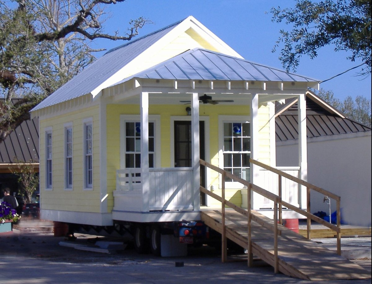 Katrina Cottage 1 on display in Ocean Springs, MS, before it was installed on its permanent foundation. This cottage is 308 s