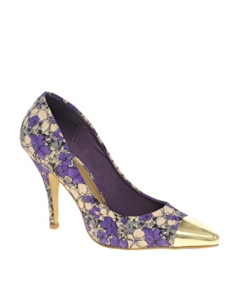 """<a href=""""http://us.asos.com/countryid/2/ASOS-SIDNEY-Point-Court-Shoes-with-Metal-Toe-Cap/xh4ck/?iid=1969070&MID=35719&affid=2"""