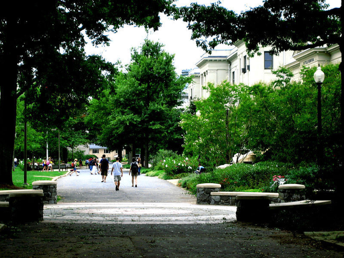 "Washington, D.C.  Photo Credit:<a href=""http://en.wikipedia.org/wiki/File:Mallrevamp.jpg"" target=""_hplink""> Senordesupremo<"