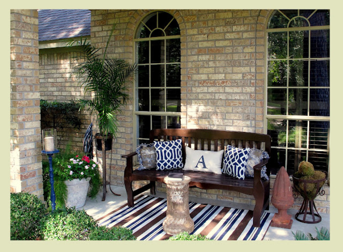 Decor Ideas: Front Porch. Not Only Do They Make A Hardwood Bench Feel More  Comfortable, Monogrammed Throw Pillows Are