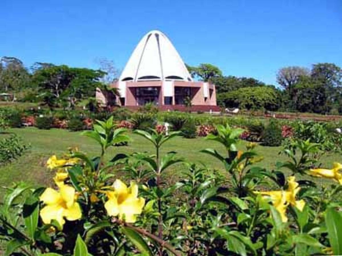 """Bahá'í House of Worship in Apia, Samoa -- The foundation stone of the <a href=""""http://bahaisamoa.ws/"""" target=""""_hplink"""">Baha'i"""