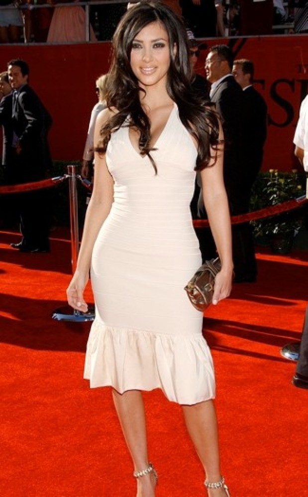 2006 A very trim looking Kim donned a halterneck bodycon frock for  the 2006 ESPY Awards in Hollywood.
