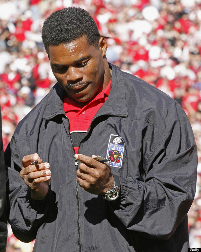 "Former NFL player and Heisman Trophy winner Herschel Walker talked about his <a href=""http://smashingtops.com/people/10-coura"