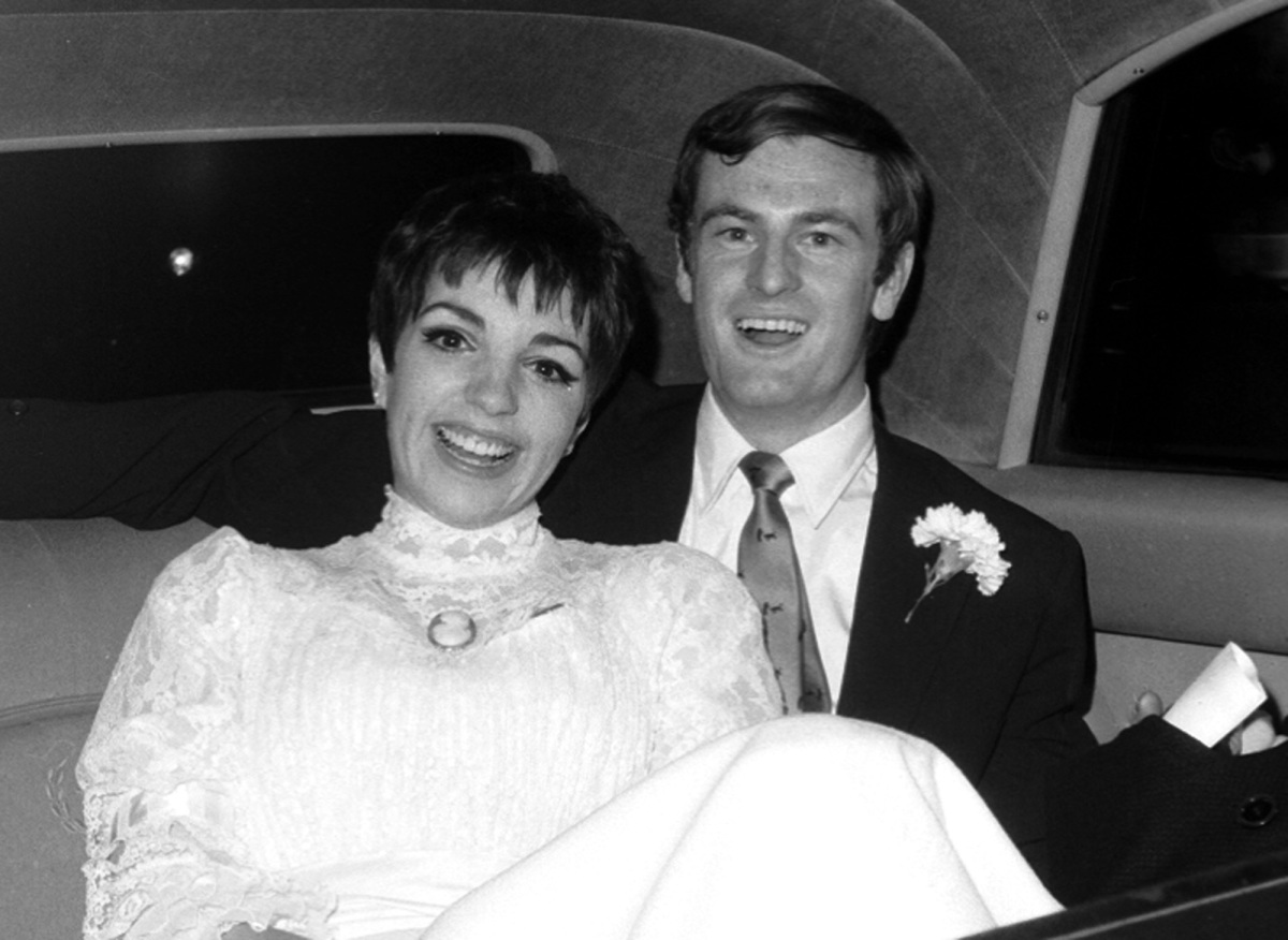 Liza Minnelli Hit Me Over The Head If You Hear Im Getting Married Again