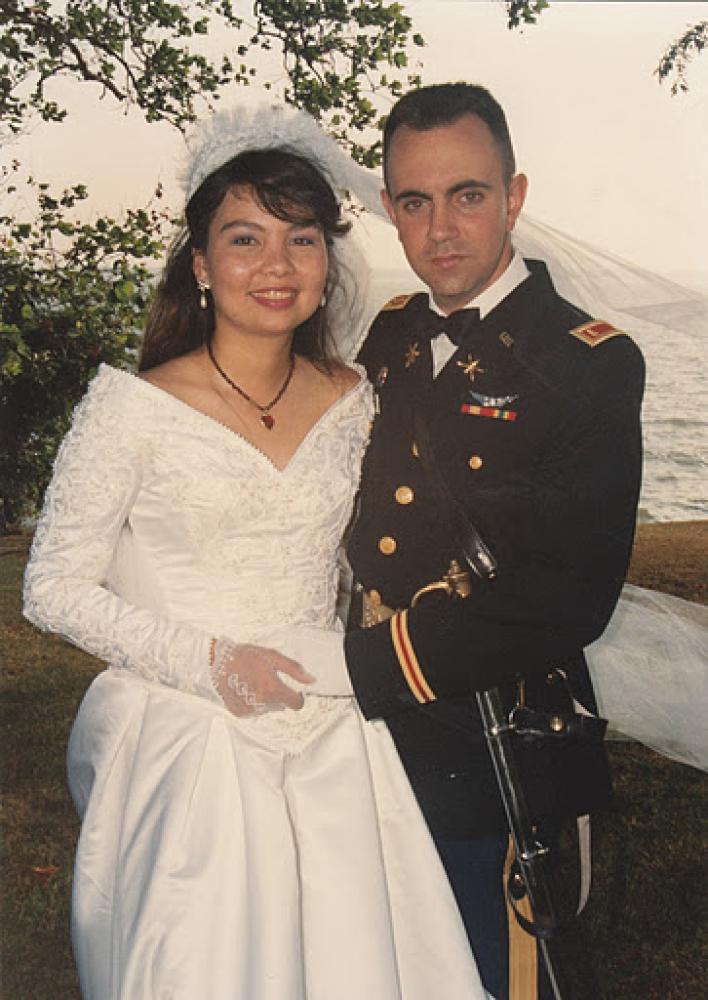 """<a href=""""http://www.tammyduckworth.com/"""" target=""""_hplink"""">Tammy Duckworth</a> and her husband, Maj. Bryan Bowlsbey, on their"""