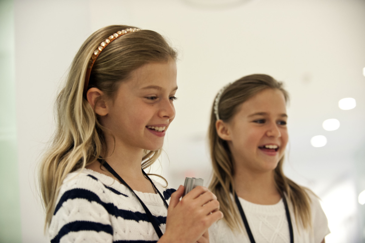 Our interviewers, Saylor and Casey, in action. (Photo: Damon Dahlen, AOL)