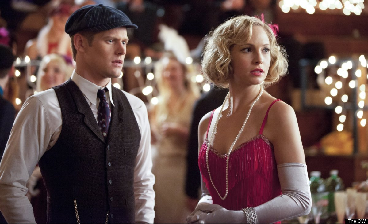 We've been waiting weeks for the 1920s Decades Dance to come to Mystic Falls and Caroline's sexy pink fringed flapper gown --