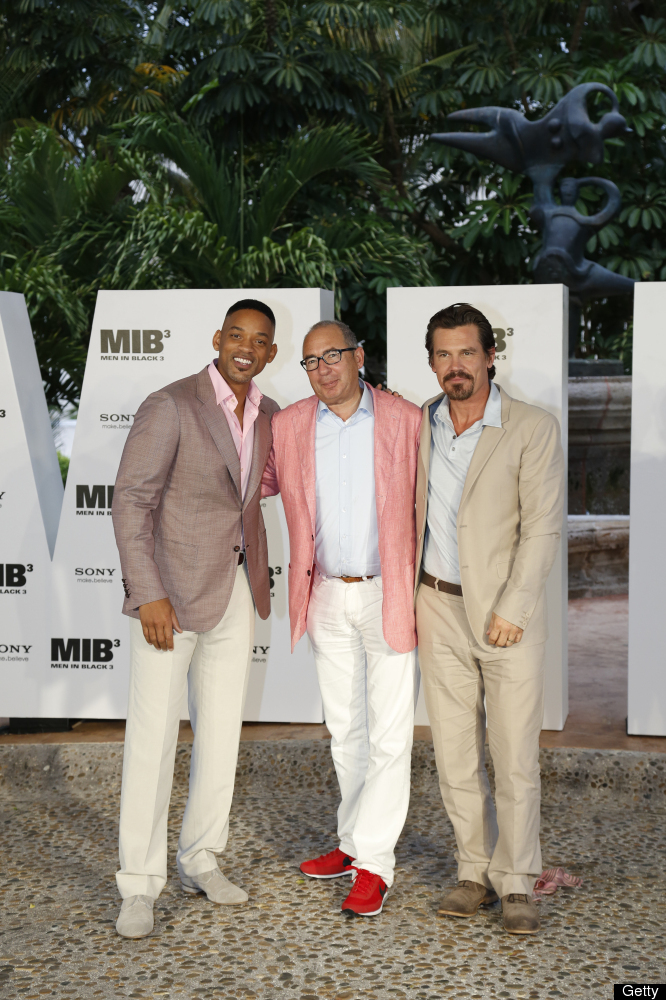 CANCUN - APRIL 17: Will Smith, director Barry Sonnenfeld and Josh Brolin attend the 'MIB 3' photo call at Summer of Sony 4 Sp