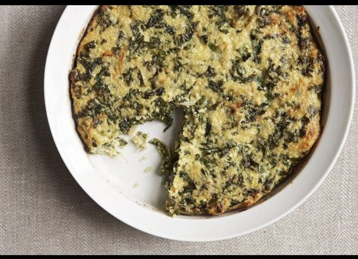 Kale and quinoa are a match made in heaven, and it turns out they're even better when you throw some eggs and cheese into the