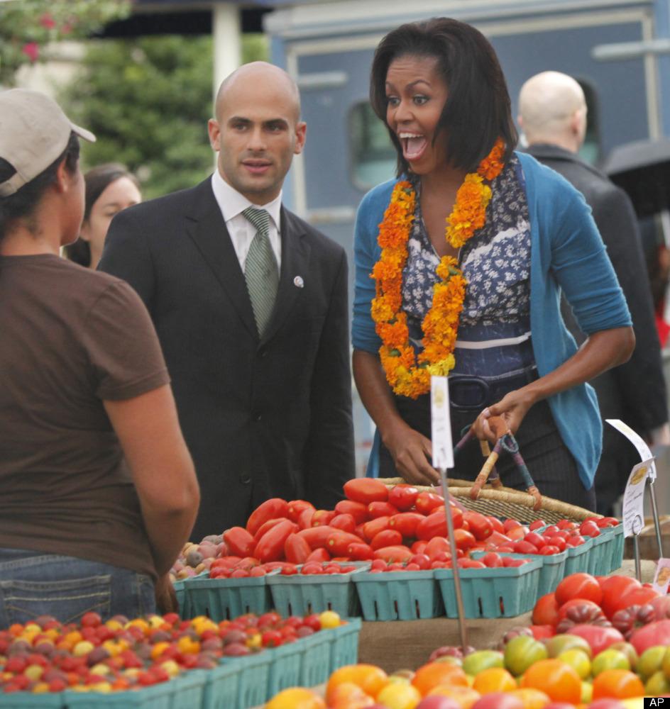 "This <a href=""http://www.freshfarmmarket.org/farmers_markets/markets/white_house.php"" target=""_hplink"">downtown market</a> lo"