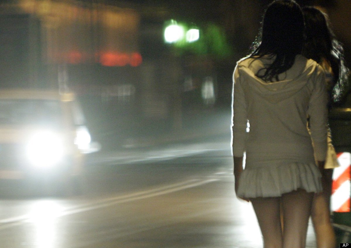 "Sign a petition to urge the <a href=""http://www.huffingtonpost.com/2012/03/02/sex-trafficking-changeorg-backpagecom_n_1317627"