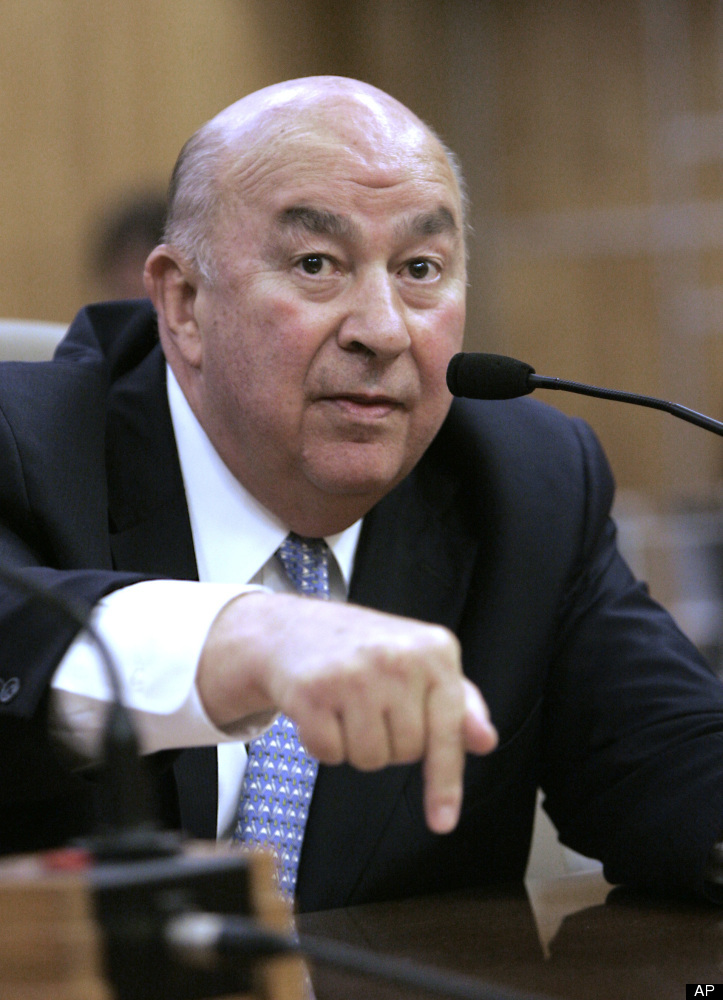 "According to <a href=""http://www.calwatchdog.com/2012/02/14/cal-state-prez-salaries-top-facebook-execs/"" target=""_hplink"">Cal"