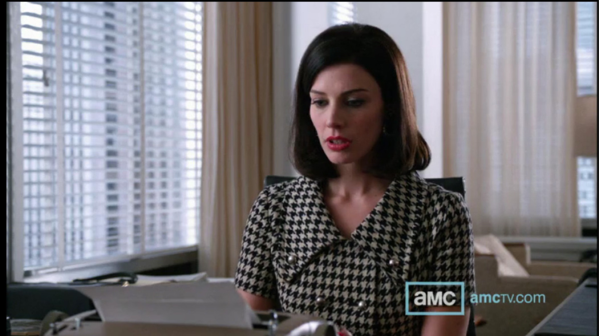 """Megan started out the episode in a houndstooth dress (that would look darling on Peggy), reminiscent of <a href=""""http://www3."""