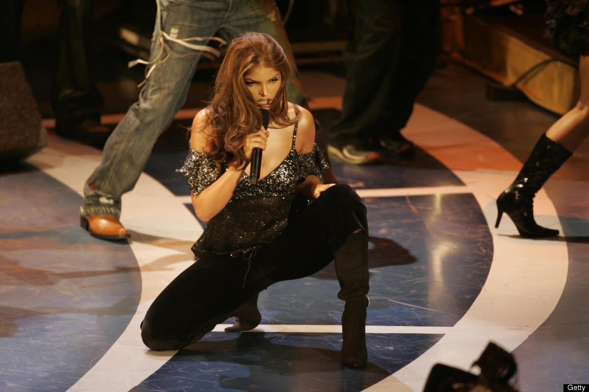 Los Angeles, UNITED STATES:  Singer Ana Barbara performs during the 6th Annual Latin Grammy Awards show 03 November, 2005, at
