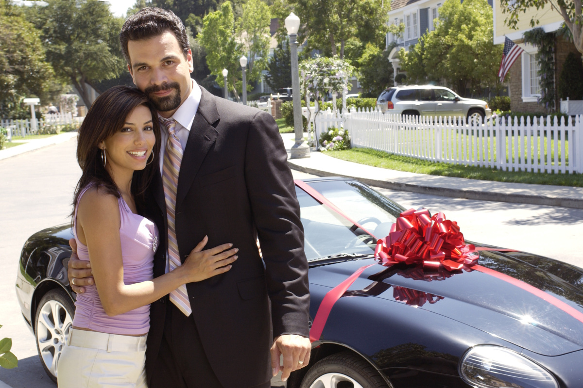 """When Gaby (Longoria) and Carlos (Chavira) showed up on the pristine cul-de-sac,""""Wisteria Lane,"""" they weren't there to clean t"""