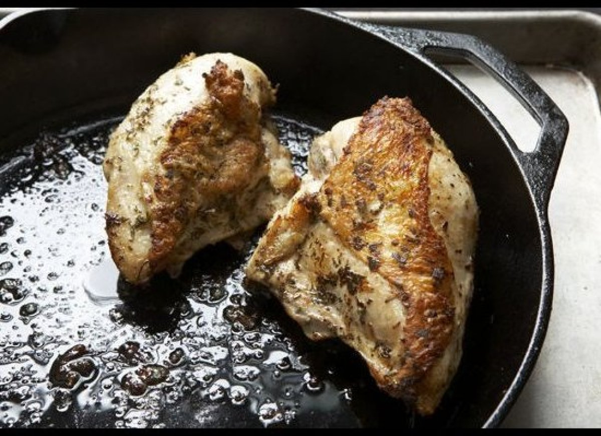 """This chicken really is finger-lickin' good; all variations were tender and delicious. - aargersi  <em><strong><a href=""""http"""