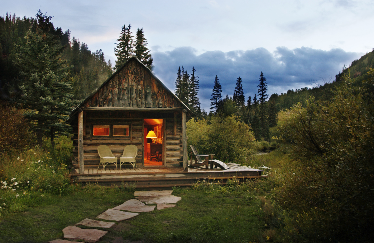 Dunton Hot Springs is a small and exclusive resort nestled deep in the San Juan Mountains of the Colorado Rockies, near Tellu