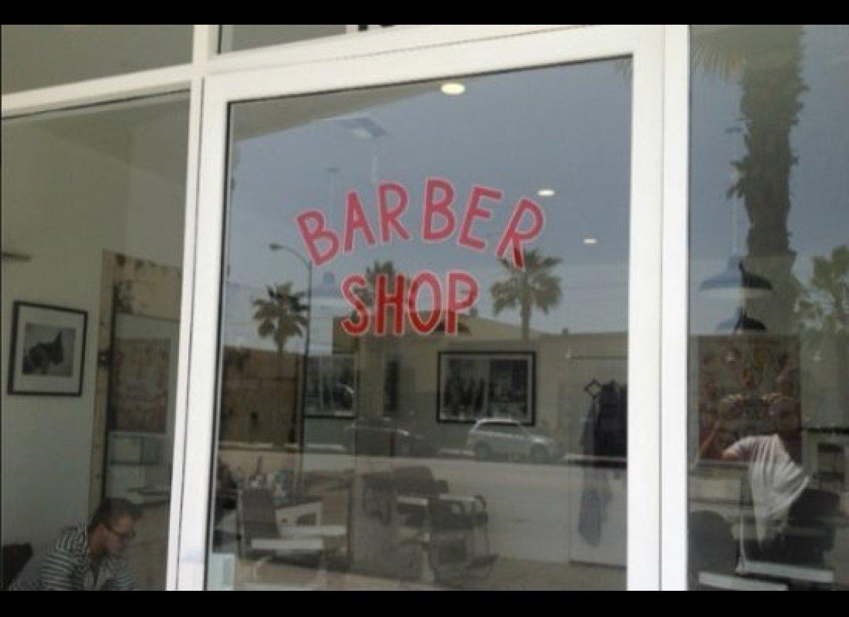 "<a href=""https://maps.google.com/maps?q=blind+barber+los+angeles&hl=en&ll=34.017273,-118.406911&spn=0.011294,0.023904&fb=1&gl"