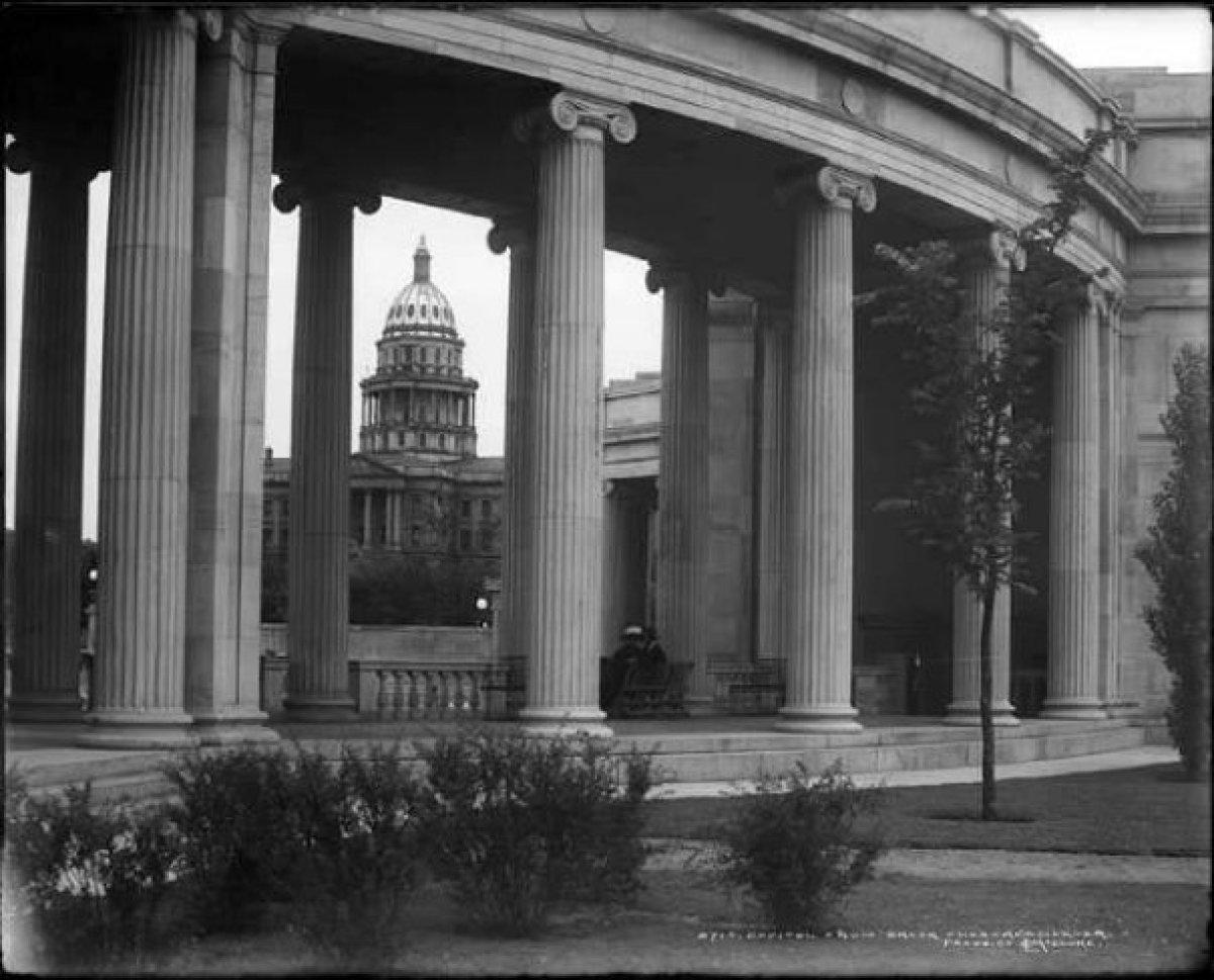 "Image via <a href=""http://www.facebook.com/pages/Denvers-Civic-Center-Park/61865302953"" target=""_hplink"">Civic Center Park Fa"