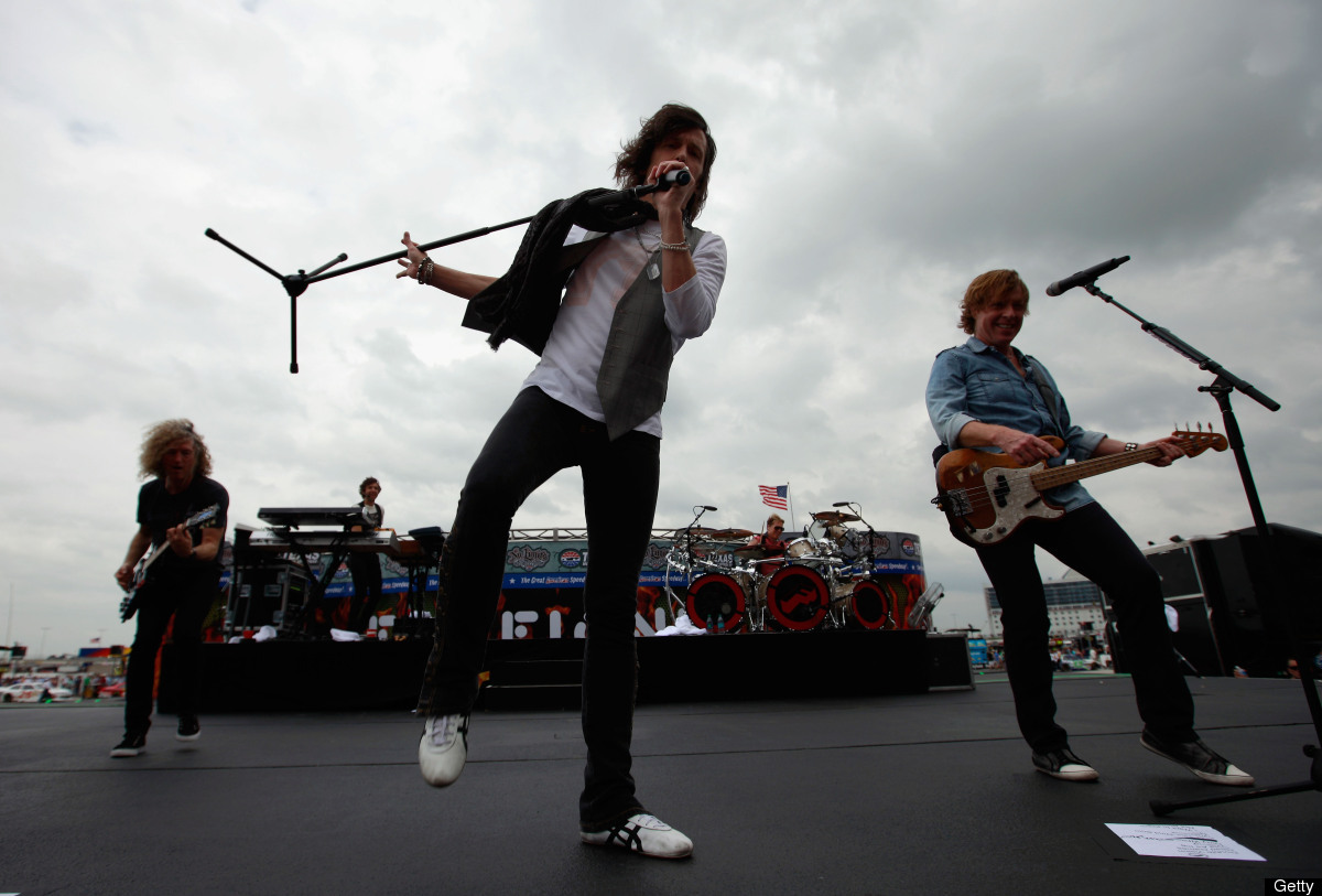 """<a href=""""http://www.foreigneronline.com/tourdates.html"""" target=""""_hplink"""">Foreigner</a>: May 24 in Dubuque, IA to Sept. 22 in"""