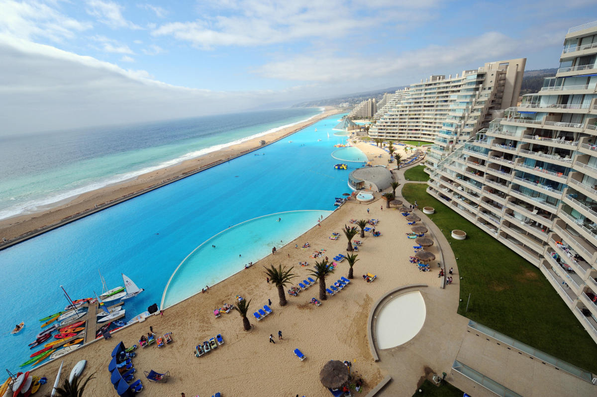 World 39 s largest outdoor pool at chile 39 s san alfonso del - The biggest swimming pool in chile ...