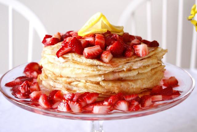 "<strong>Get the <a href=""http://deliacreates.blogspot.com/2011/04/lemon-strawberry-crepe-cake.html"">Lemon Strawberry Crepe Ca"