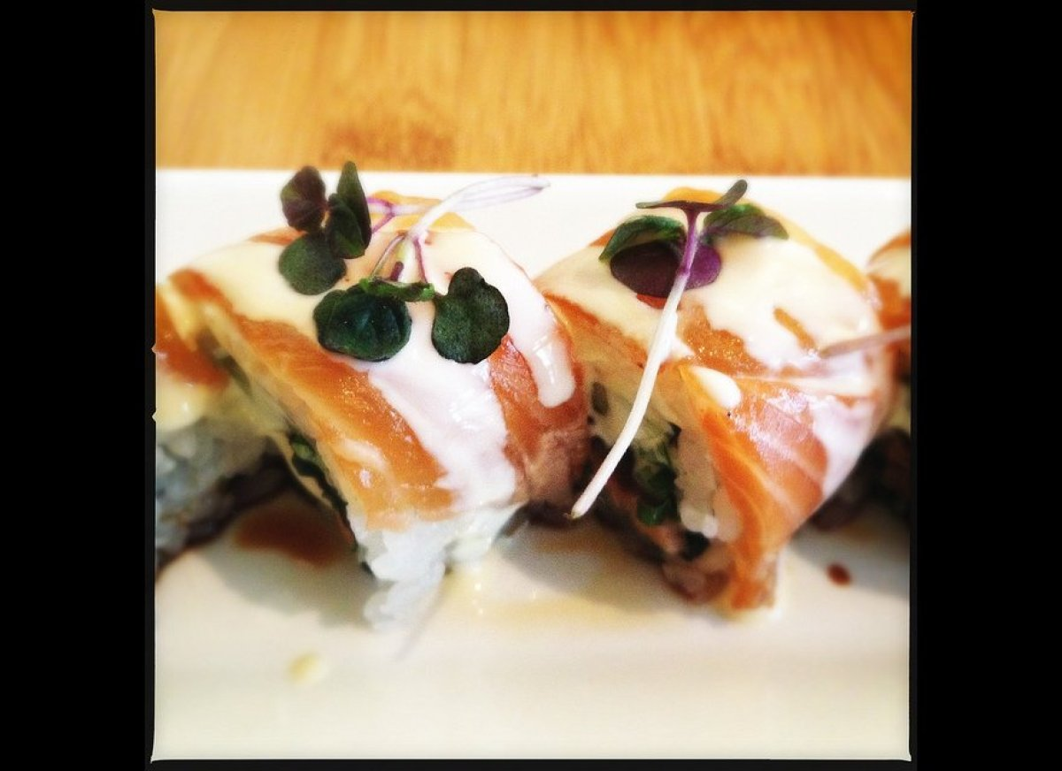The 10 best new sushi restaurants in america huffpost for Seashell fish chicken chicago il
