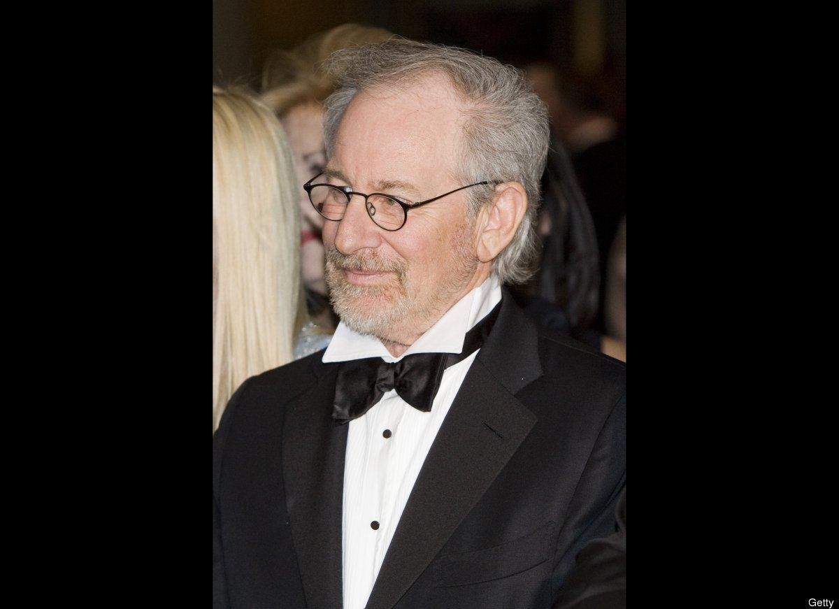 """<a href=""""http://www.hollywoodreporter.com/news/steven-spielberg-oprah-winfrey-drop-166128"""" target=""""_hplink"""">Billionaire filmm"""