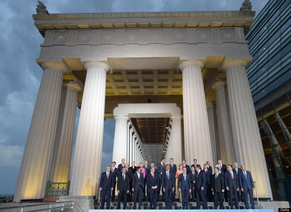 Leaders pose for the family photo at Soldier Field during the NATO Summit on May 20, 2012 in Chicago. (MANDEL NGAN/AFP/GettyI