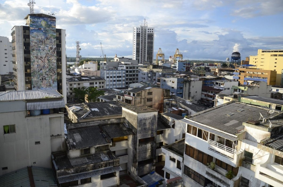 Downtown Buenaventura, Colombia. The city is on Colombia's Pacific coast. (Christian Fuchs — Jesuit Refugee Service/USA)