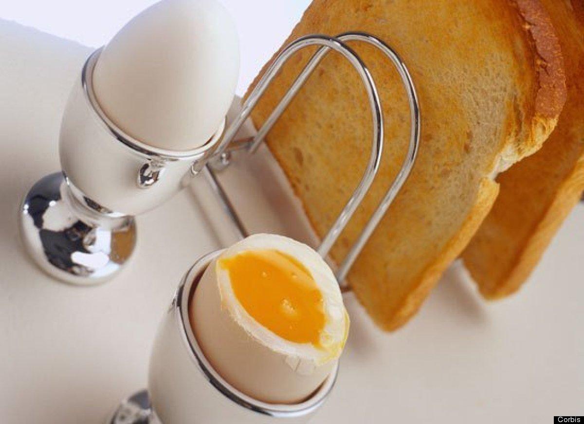 <strong>Por Yined Ramirez-Hendrix</strong><br> Son una fuente natural de vitamina D. Los huevos ayudan a los niños a mantener
