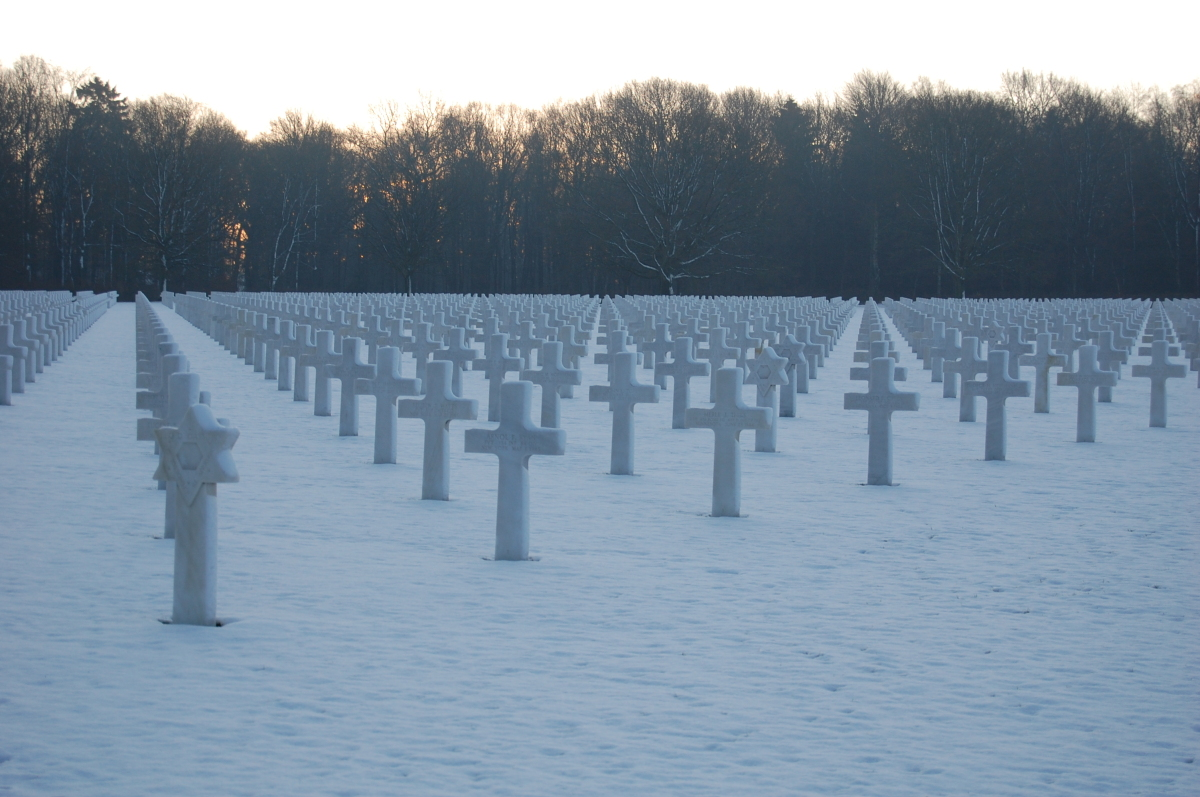 """This <a href=""""http://www.abmc.gov/cemeteries/cemeteries/ar.php"""" target=""""_hplink"""">90-acre WWII cemetery</a> contains the grave"""