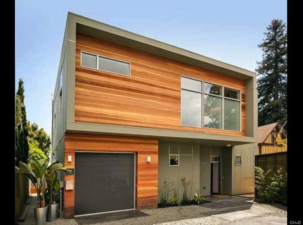 We love this new construction in North Oakland. And while it may involves some urban pioneering, the 3-bed, 2.5-bath house ha