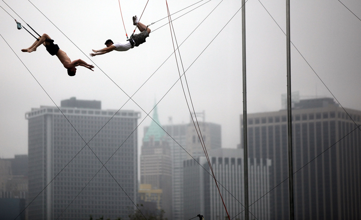 """Trapeze Class Gift Certificates at <a href=""""http://newyork.trapezeschool.com/classes/giftcertificates.php"""" target=""""_hplink"""">n"""