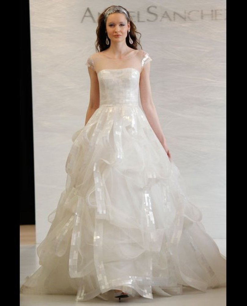 Vera Wang Wedding Dress: Designer Talks Designing Bridal Gowns ...
