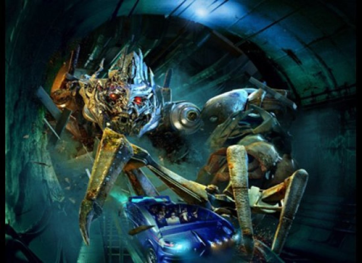 <strong>Universal Studios, Hollywood, CA</strong>  Transformers: The Ride - 3-D recently debuted at Universal Studios Holly