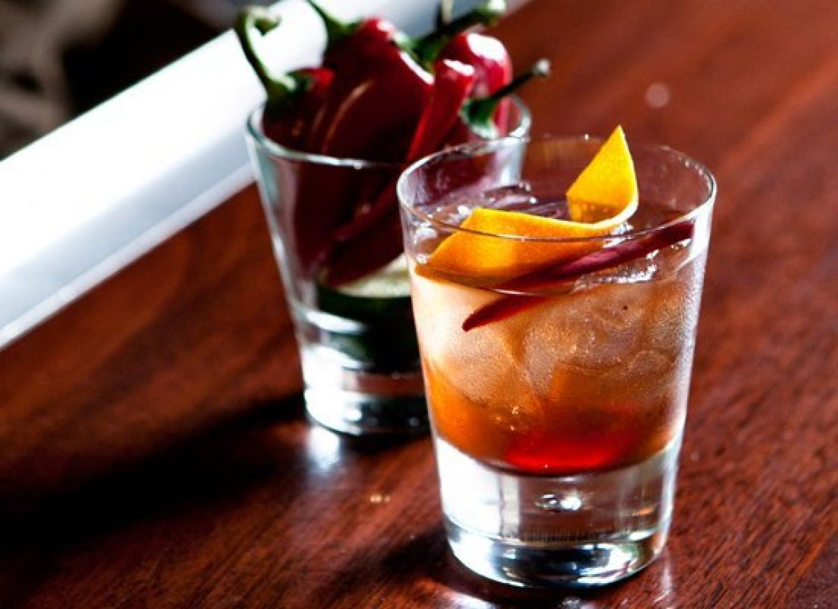 """The classic <a href=""""http://liquor.com/recipes/old-fashioned/?utm_source=huffpo&utm_medium=articl&utm_campaign=dadsday12"""">Old"""